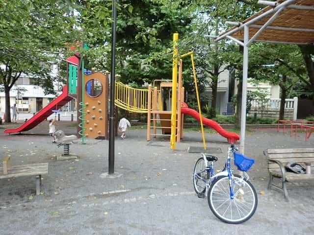 鉄砲洲児童公園 遊具