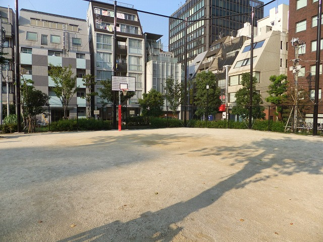南桜公園 運動広場