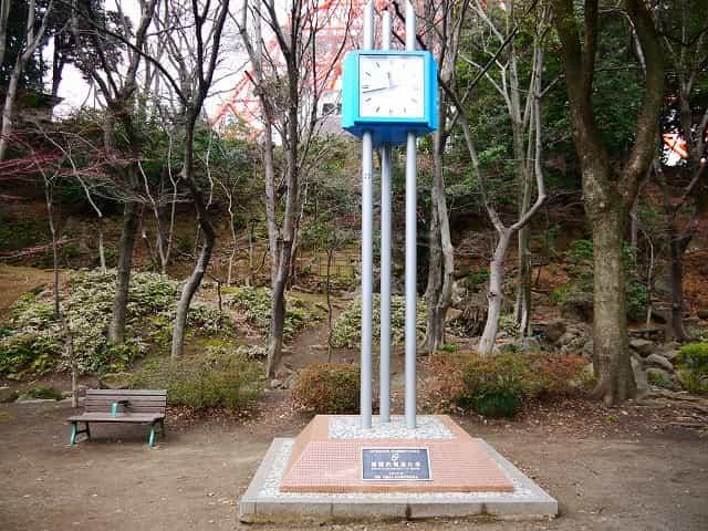 芝公園 複眼的報道の塔