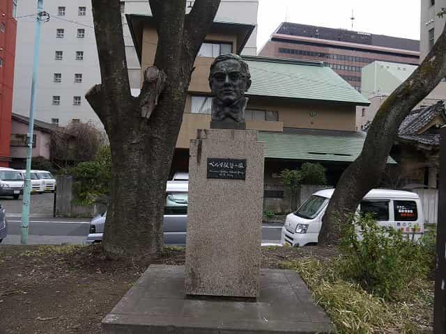 芝公園 ペルリ提督の像
