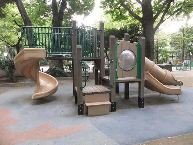 有栖川宮記念公園 児童コーナー すべり台