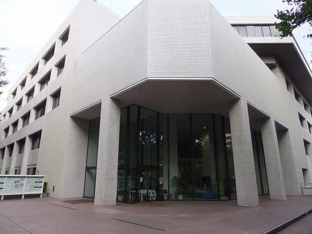 有栖川宮記念公園 都立中央図書館