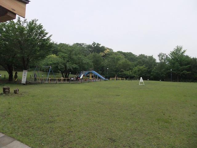 菅刈公園 芝生広場