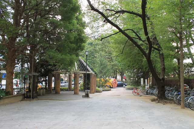 窪町東公園 つどいの広場