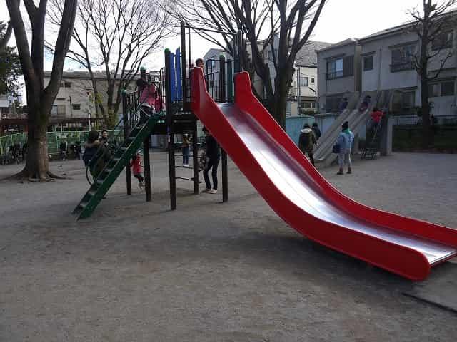 東板橋公園・こども動物園 遊具 すべり台