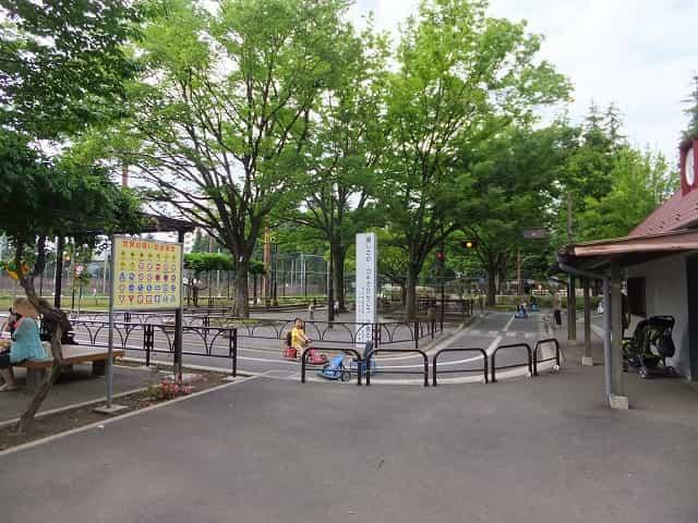 世田谷公園 交通広場
