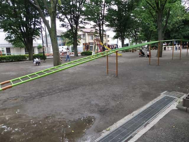 世田谷公園 遊具広場