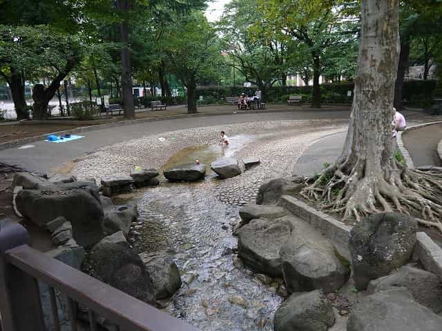 馬橋公園 ちびっこ広場 水遊び