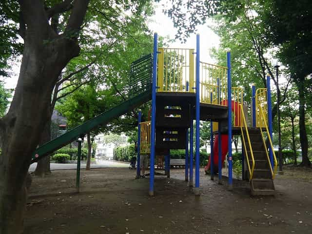馬橋公園 疎林広場 複合遊具