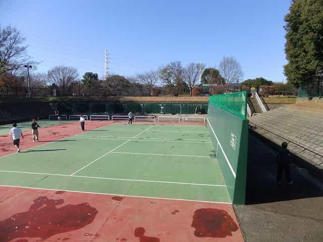 和田堀公園 壁打ちテニス
