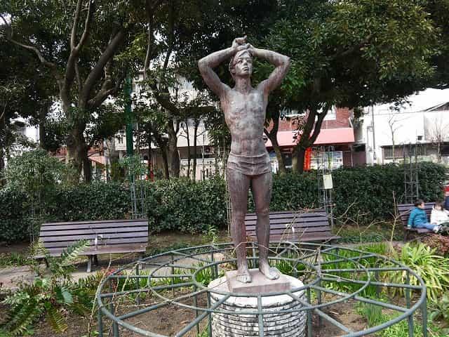 蚕糸の森公園 銅像・碑