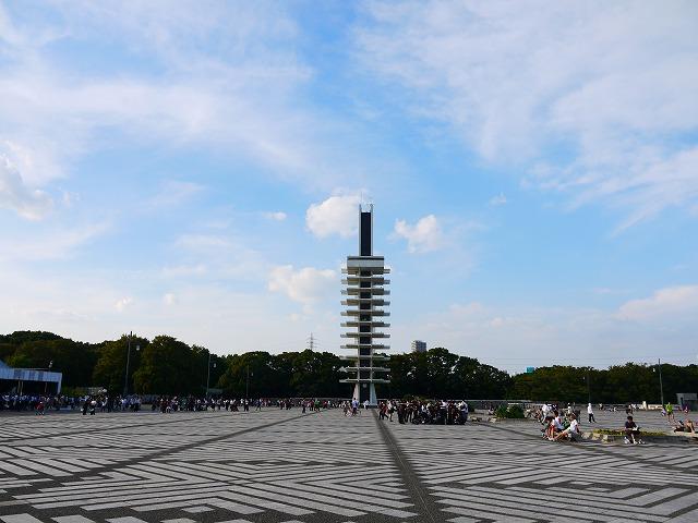 駒沢オリンピック公園 オリンピック記念塔・中央広場 駒沢公園のシンボルのオリンピック記念塔