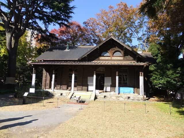 旧岩崎邸庭園 撞球室(ビリヤード場)