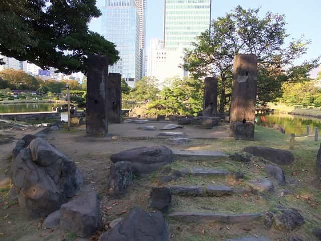 旧芝離宮恩賜庭園 石柱