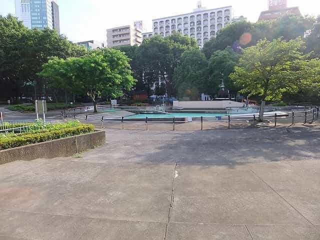 新宿中央公園 じゃぶじゃぶ池