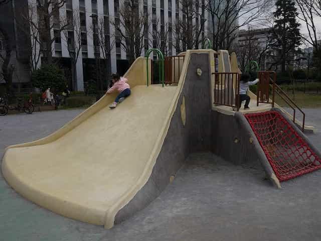 戸山公園(大久保地区) 子供の広場