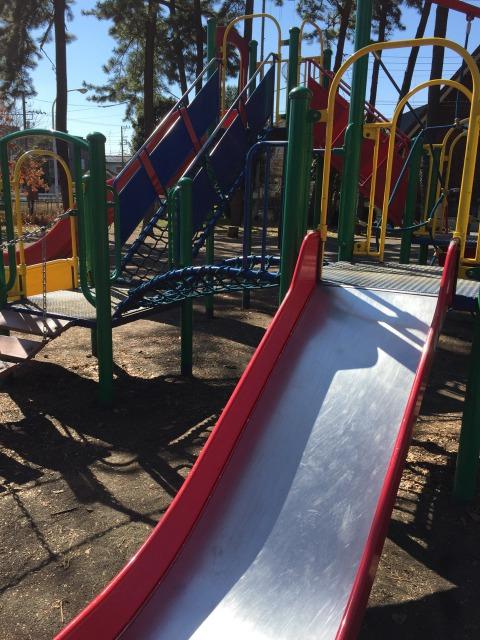 松蔭公園 新しい遊具が沢山なので子どもたちは楽しいですね!