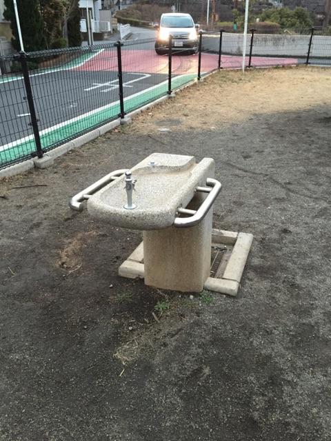 深堀中央公園(新) 水道も完備されています。遊び終わった後の手洗いや、お弁当前の手洗いもバッチリ!