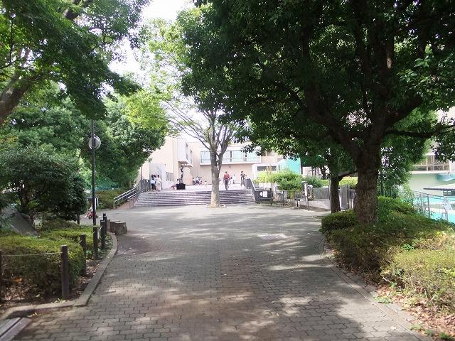 目黒区民センター公園