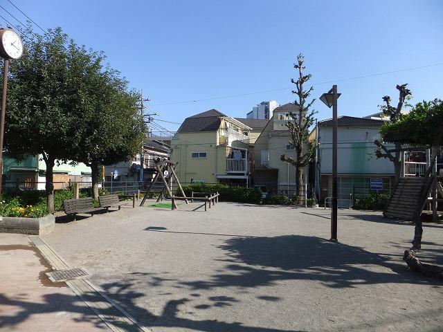 本町通り公園(さんかく公園)