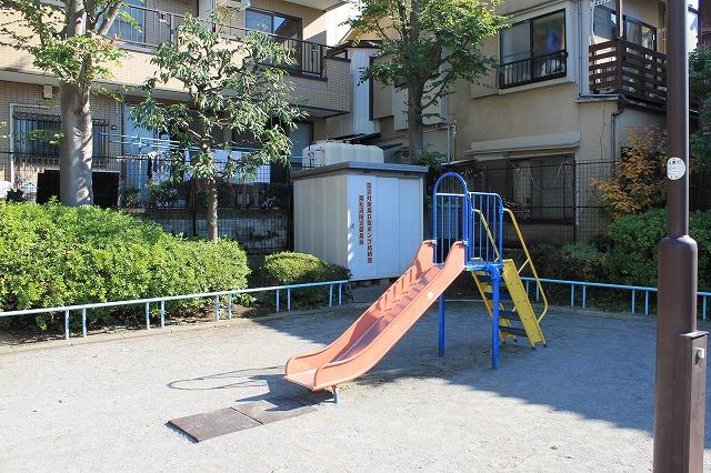 北沢三丁目公園
