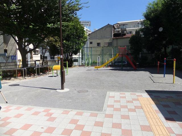 津の守坂児童遊園
